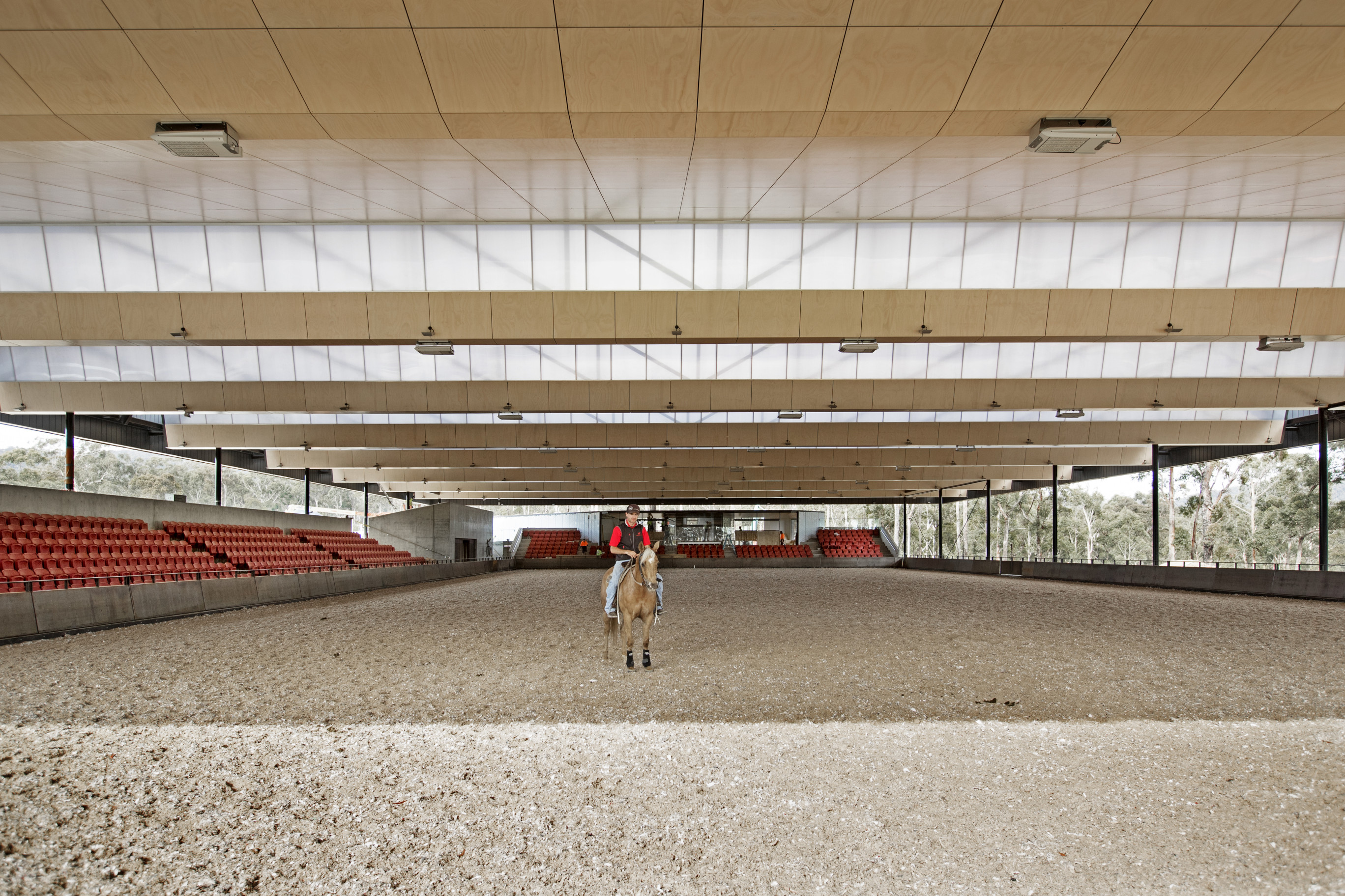 5-Willinga-Park-Covered-Arena